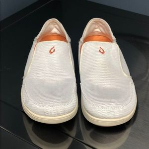 Men's olukai white shoes size 9.5